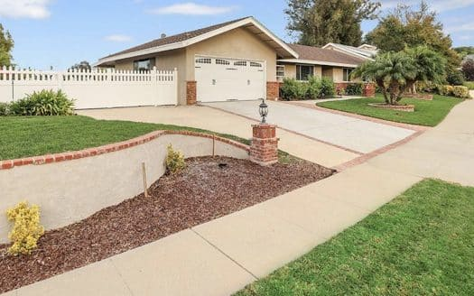 1082 Balsamo Ave, Simi Valley 93065