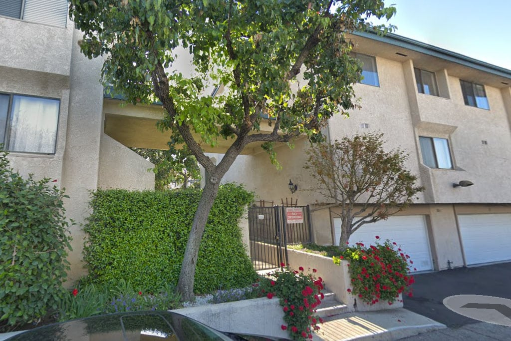 Shadow Ranch Townhomes in West Hills, CA