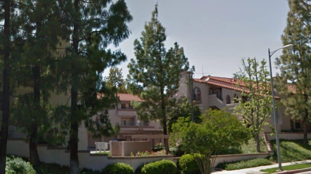 Valley West Condominiums Community in West Hills