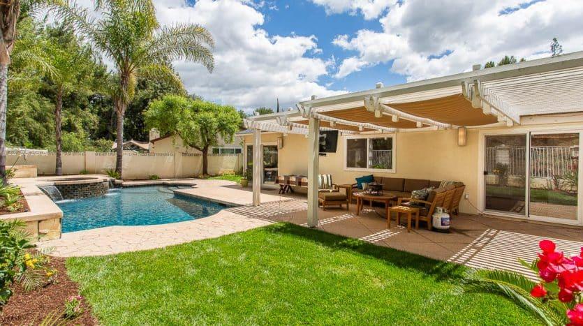 8422 Samra Dr -West Hills Home for sale