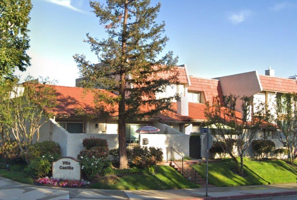 Villa Castilla Condos in Woodland Hills