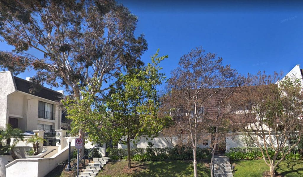 Villa Madrid Condos in Woodland Hills