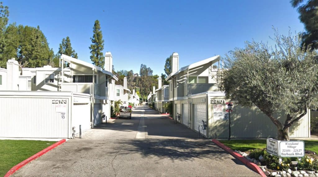 Woodland Village Townhomes in Woodland Hills