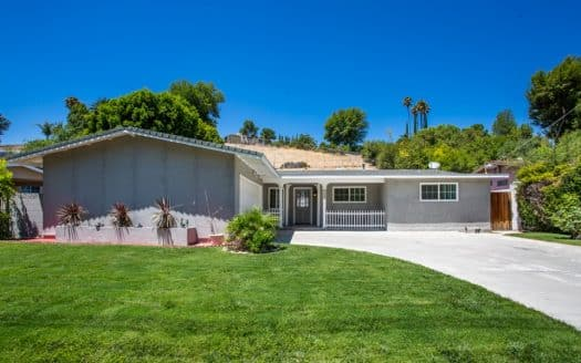 West Hills Home with a pool for lease