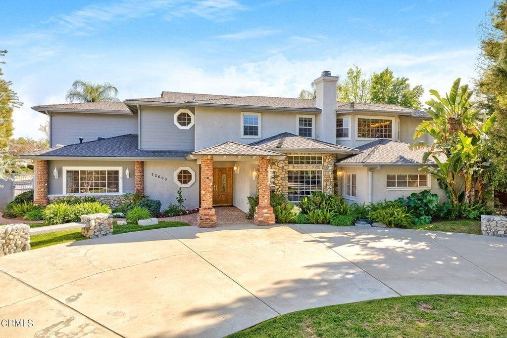 22600 Erwin St, Woodland Hills, CA 91367