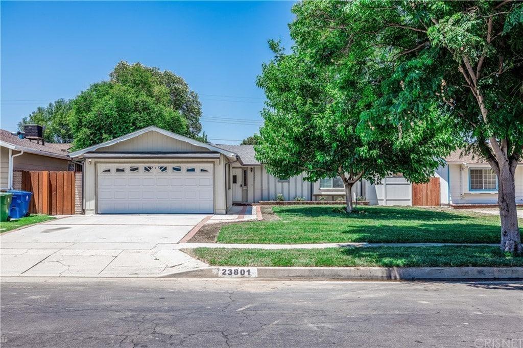 23801 Sylvan St, Woodland Hills, CA 91367